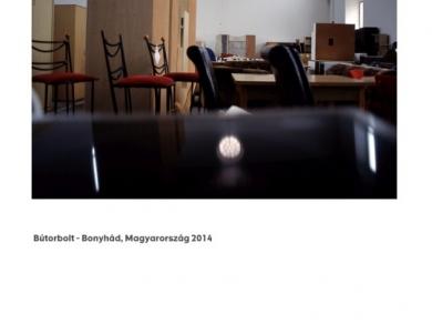 Alpern Bernadett Anna: Bútorbolt - Bonyhád (részlet a Used Stones című sorozatból), 2014