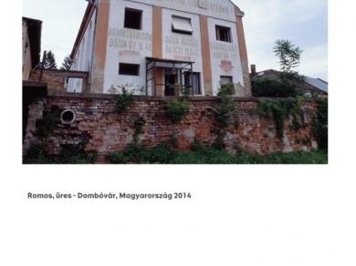 Alpern Bernadett Anna: Romos, üres - Dombovár (részlet a Used Stones című sorozatból), 2014
