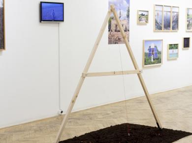 Balogh Viktória: A szivárvány lábánál installáció Capa Központ - Project Room