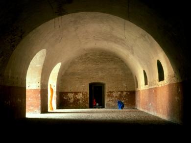 Bérczi Zsófia: Morfománok városa - Család, Monostori erőd, Komárom, 2004
