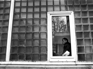 Bócsi Krisztián: Az Onkoradiológiai Osztály épülete a nyíregyházi Jósa András Kórházban (részlet a Rákos betegek című sorozatból), 2007.