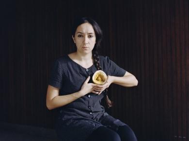 Ember Sári: Részlet a Mormaço című sorozatból, 2013.